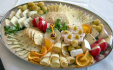 Različite vrste sira (foto: Wikimedia Commons)