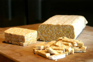 Tempeh (foto: Wikimedia Commons)