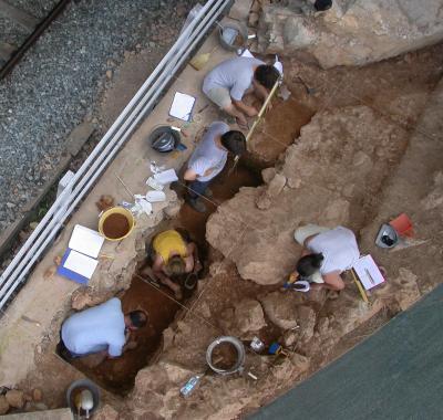 Iskapanja na nalazištu Riparo Bombrini (foto: Fabio Negrino)