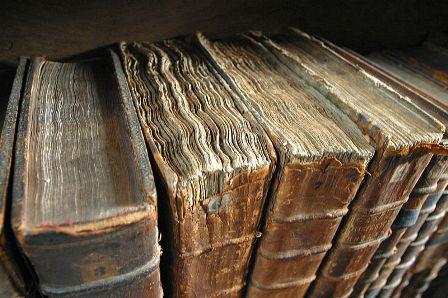 Stare knjige (foto: Wikimedia Commons)