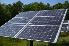 Solarni paneli (foto: Wikimedia Commons)