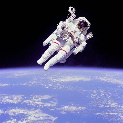 Astronaut (en.wikipedia.org)